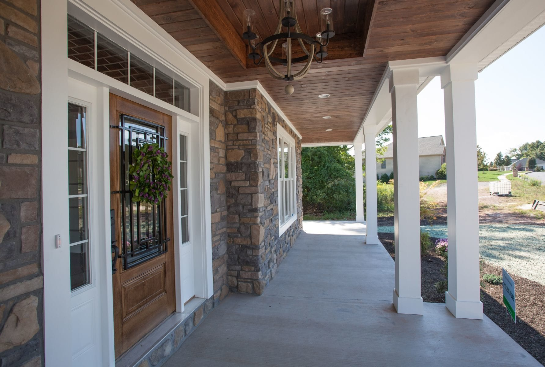 modern-farmhouse-front-entryway